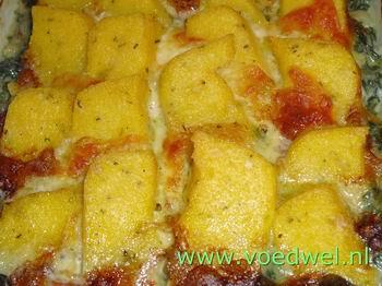 Polenta met spinazie en kaas